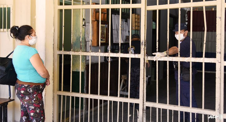 story-covid19-prisons-hp